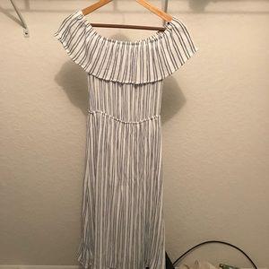 Off the shoulder Forever 21 maxi dress